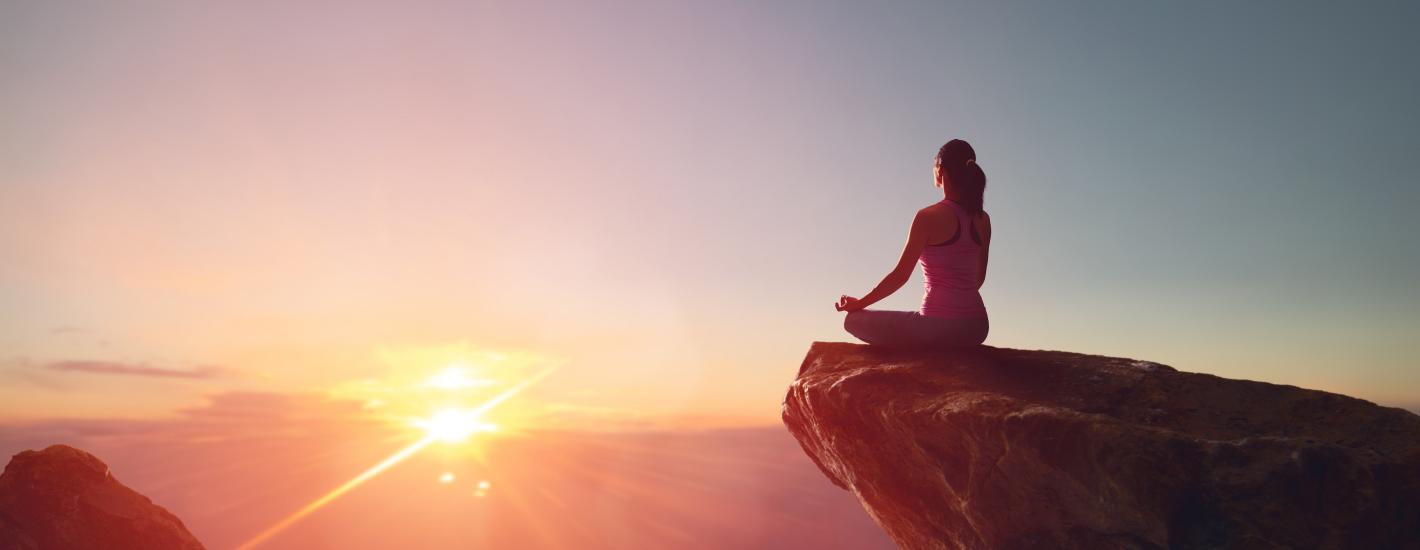 Naukowcy tłumaczą, dlaczego medytacja korzystnie wpływa na psychikę